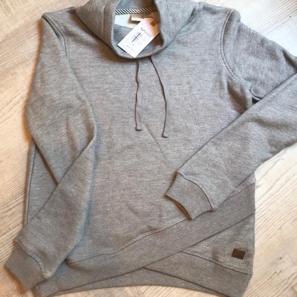 Roxy.  NWT pullover